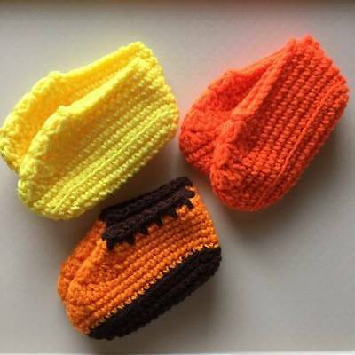 3 Pair Slippers Baby/Toddler Infant Size L Orange Brown Yellow Bright Orange lot