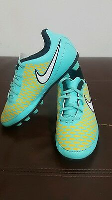 Nike Magista kids/boys football boots UK size 12 - Moulded Studs!