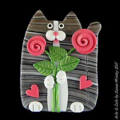 Silver Gray Tabby Kitty Cat, Pink Roses & Hearts Valentine's Day Pin - SWris