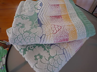 Two lovely quality vintage art deco style bath towels retro VGC