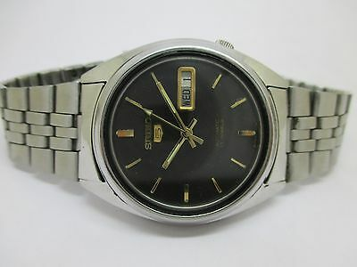 Refurbished Vintage Men's Seiko 5 Automatic Day And Date Excellent Wrist Watch
