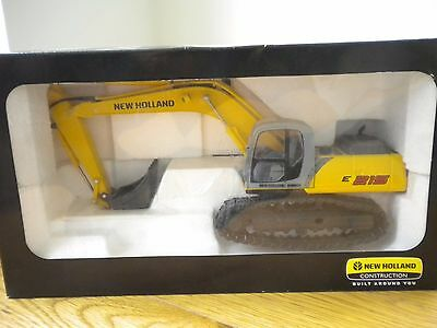 New Holland E215 Excavator 1:32 scale