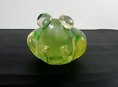 Paperweight Figurine Green & Clear Glass Large Frog with Controlled Colored Eyes