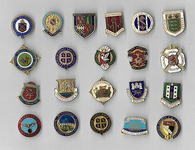 BOWLING CLUB BADGE COLLECTION - 21 Badges from the 1960s onwards.