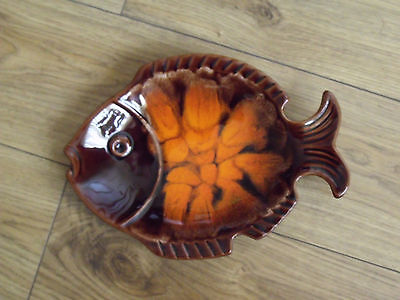 Lovely 9.5 inch Pottery Fish Plate With Unusual Glaze