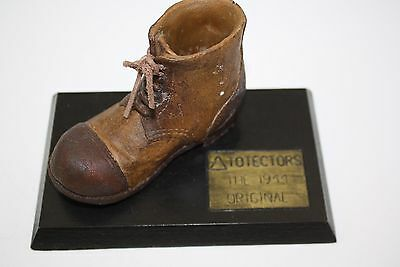 VINTAGE ANTIQUE WOOD shoe totector the 1944