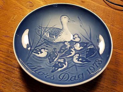 Bing Grondahl Royal Copenhagen 1973 Mother's Day Plate