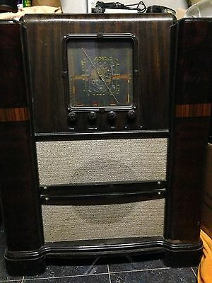 Antique Valve Radio -good condition-