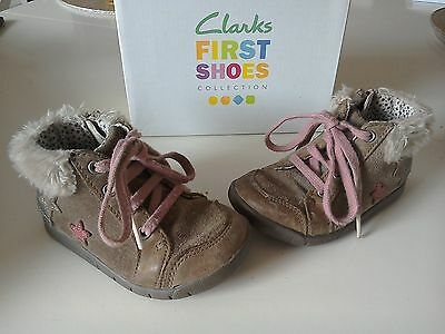 Girls Clarks leather ankle boots size 5g