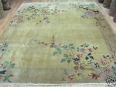 AN IMPRESSIVE OLD HANDMADE CHINESE ORIENTAL SQUARE RUG (290 x 220 cm)
