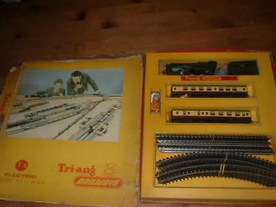 Rare Triang Railways Tt Gauge T.6 Set With Windsor Castle And Coaches Etc