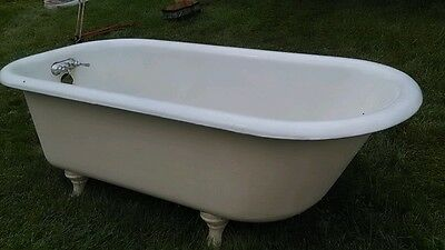 Vintage 5 Foot Cast Iron Claw Foot Tub With Ball And Claw Feet