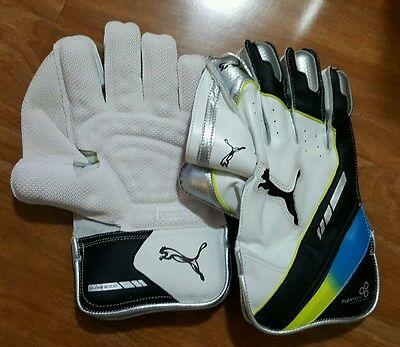 Puma Wicket Keeping Gloves only BOYS Size