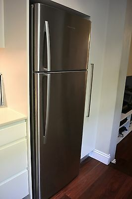 Fisher And Paykel 411L Top Mount Fridge