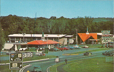 Howard Johnson, Greenfield, MA, 1970, Route 2, Cars, Pick Up Truck