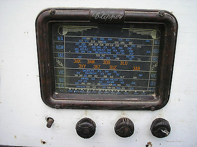 Antique Retro Clipper  Bakerlite  Radio
