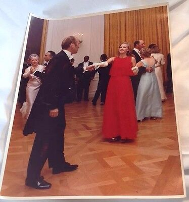 Official White House Photograph President Gerald Ford Dancing w/ Daughter Susan