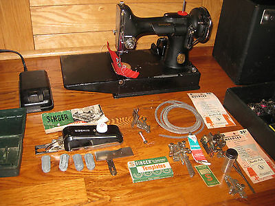 Singer Portable Electric Sewing Machine 221-1 w/ buttonholer EXCELLENT CONDITION