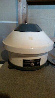 Clay Adams cat number 0131 Physicians Compact Centrifuge 4-Place