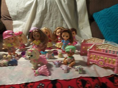 Huge Lot Of Fisher Price Snap 'n Style 9 Dolls Dog 2 Cribs 26 Clothing & Access