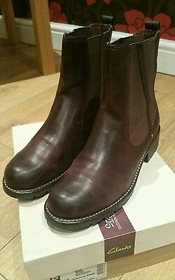Ladies Clarks  Leather Slip On Boots Size 6