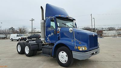 2003 International 9100i / One Owner / 288,000 / Service Records /Tandem Tractor