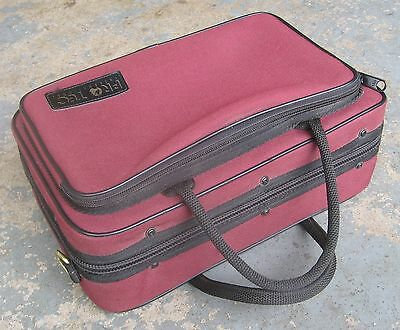 Protec Clarinet Case. Maroon & Black Vinyl. Used, but Good Condition.