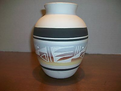 Lee Navajo Pottery Vase
