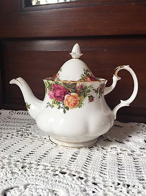 Royal Albert Teapot Old Country Roses England 1962