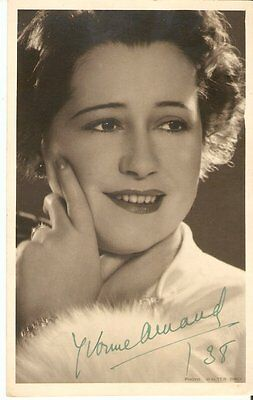 YVONNE ARNAUD (1890-1958) French Born Musical Comedy Actress  Signed pic