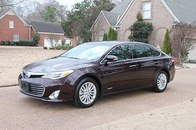 2013 Toyota Avalon Hybrid Limited One Owner Perfect Carfax Nav Heated and Cooled Seats Michelin Tires Loaded