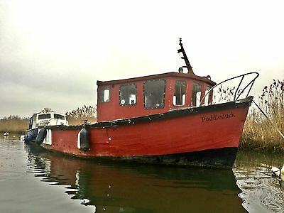 28ft RON BERRY COMMERCIAL FISHING BOAT DIESEL