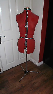 Venus Dressmakers Ajustable Dummy With Stand