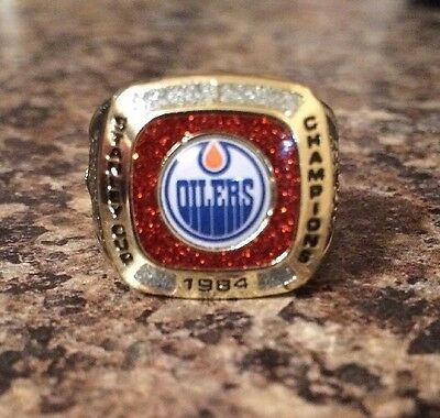 Molson Canadian stanley cup Edmonton Oilers 1984 Championship Ring.