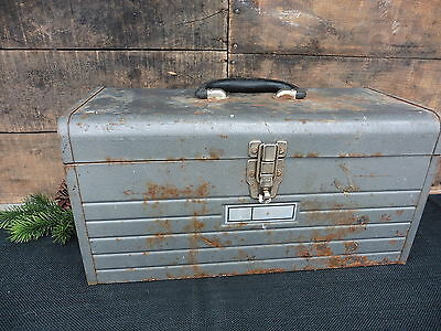 Vintage METAL TOOL BOX TOOLBOX ~ INDUSTRIAL HOME DECOR ~ MECHANIC MANCAVE