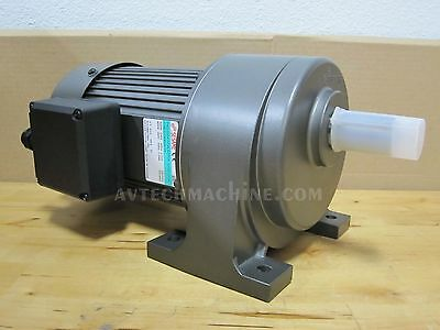Sesame Gear Motor Chip Conveyor Auger 3 Phase 220V / 440V G13H400U-75