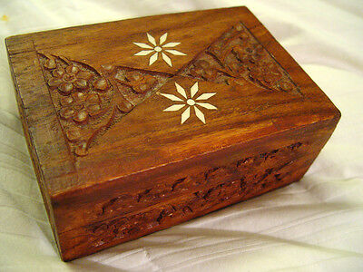 Vintage Wood Carved / Engraved Jewelry Trinket Box Detailed with Flower Inlay