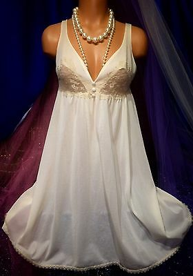 50s Bridal Vintage Nylon Chiffon Ivory Peignoir Sweep Chantilly Lace Gown S M