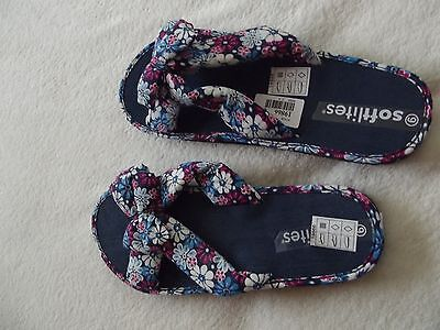 NEW Ladies blue floral flip flops, size 6