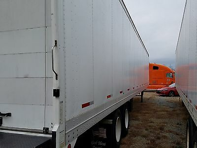 2000 Great Dane 53' Tuck-Away Liftgate Trailer