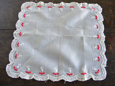 Vintage Hankie Handkerchief Hanky White w/Lace & Embroidered Hearts (DDD)