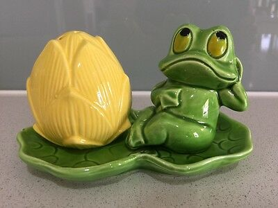 Frog & Lily Salt & Pepper Shakers Collectible Rare Cute