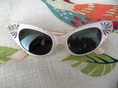 Vintage Cat Eye Sunglasses In Pink And Rhinestones - French