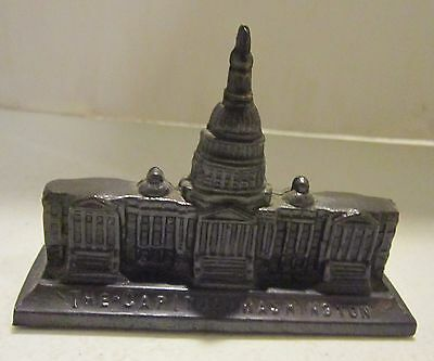 Vintage metal THE CAPITOL - WASHINGTON  - U.S.A. paperweight - nice detail VGC