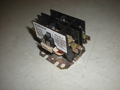 Square D 8910DP32V09 2-Pole Contactor - 220 VAC Coil - Tests OK