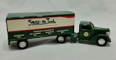 ERTL 1948 Snap On Tools Diamond T Cab Tractor Trailer Coin Bank 1:43 Scale SU14