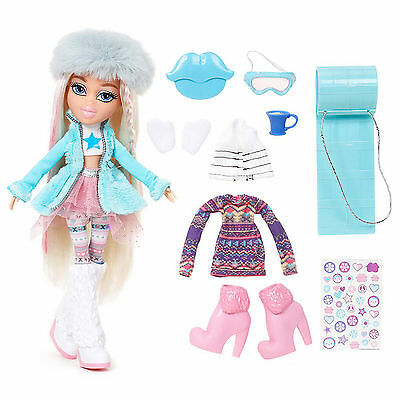 Snowkissed Cloe Bratz Doll Winter Fashion Outfits Boots Fur Gloves Sledge Lips