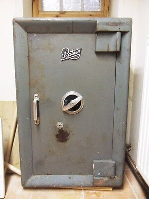 Ratners Very Heavy Large Safe  ,with Keys