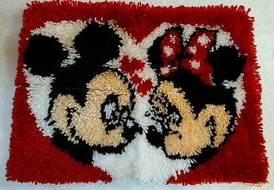 Mickey Minnie Mouse Love Heart Completed Latch Hook Rug Wall Hanging Decor 20x15