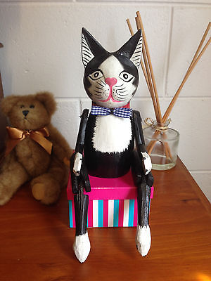 Hand Carved Wooden Black Bow tie Cat toy Decorated ornament Moving Legs Kidsgift